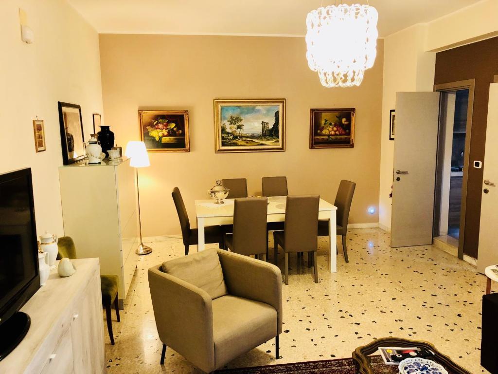Ristorante o altro punto ristoro di Dimora Umberto Home - Piazza Cavour