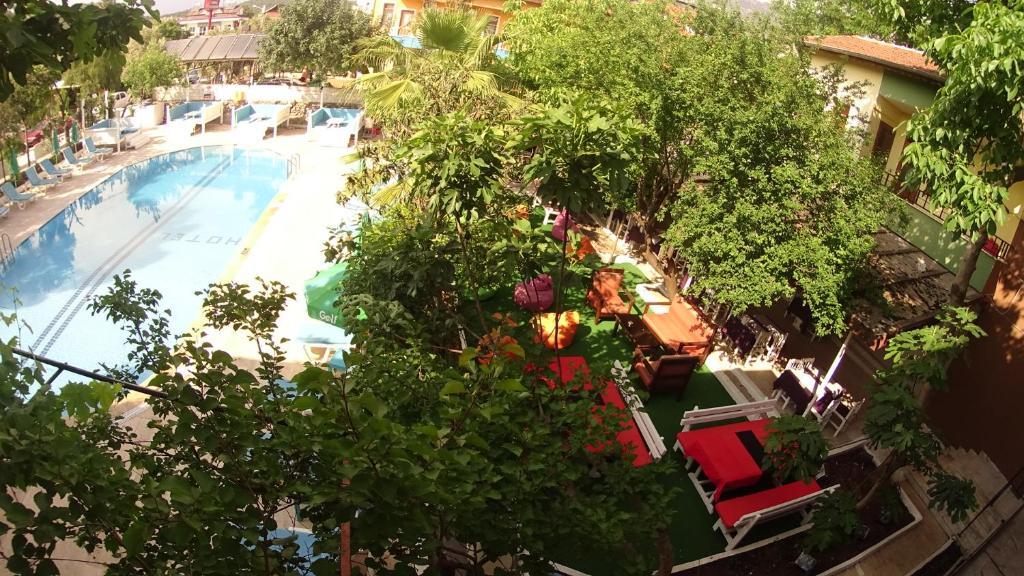 Άποψη από ψηλά του New St. Nicholas Garden Hotel