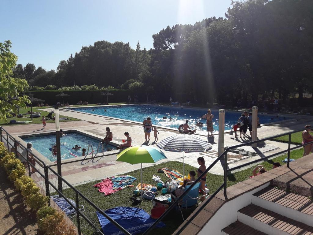 A view of the pool at Càmping Vila Village or nearby