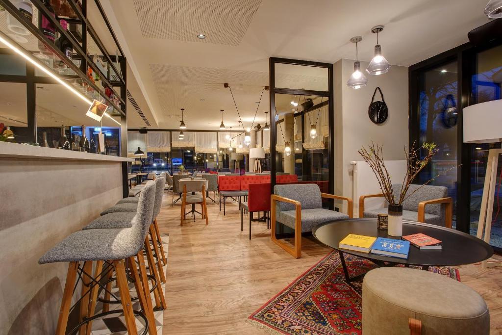 Lounge oder Bar in der Unterkunft Boutique 125 Hamburg Airport