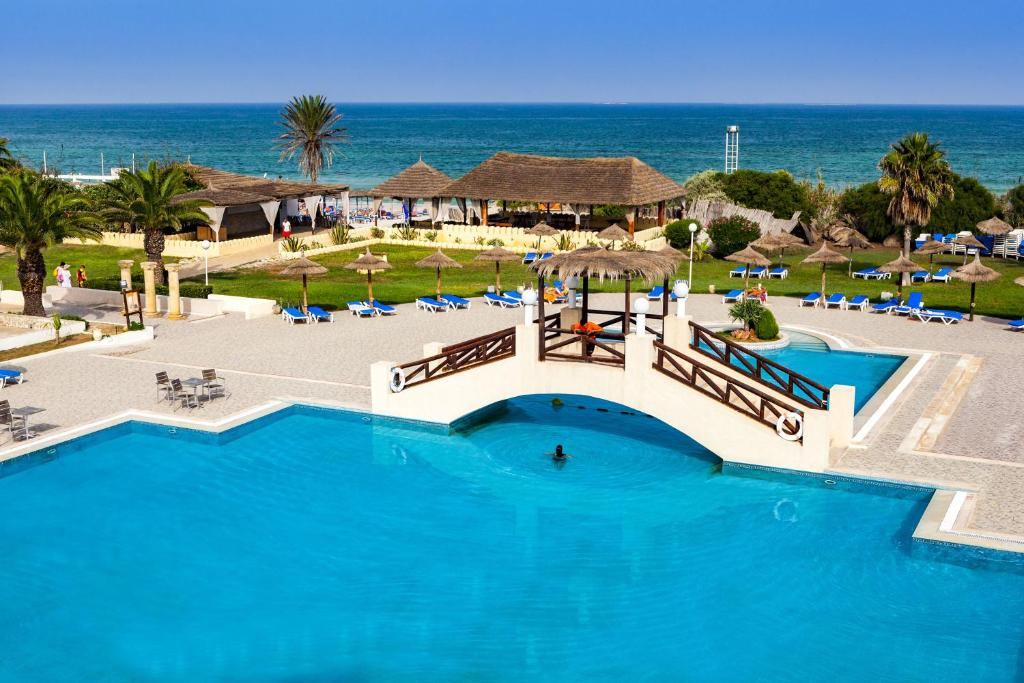 A view of the pool at Hotel Club El Borj or nearby