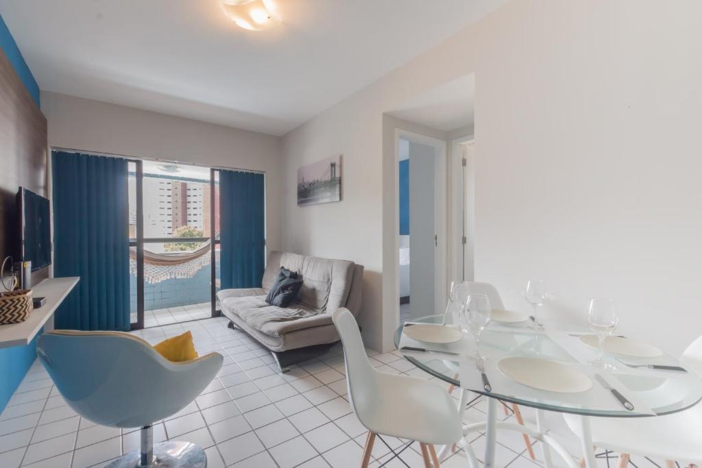 A seating area at PIP201 Agradável flat em Boa Viagem, até 4 pessoas