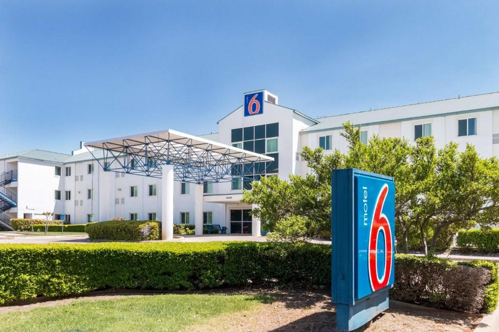 Motel 6 Dallas Fort Worth Airport North, one of a number of cheap hotels near Dallas Fort Worth Airport.