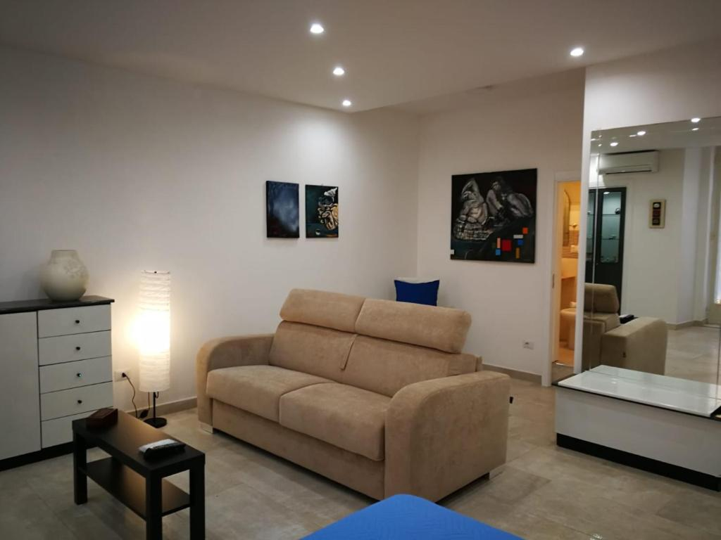Stanza Studio In Casa la stanza di chaila, naples – updated 2020 prices