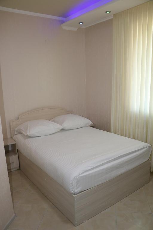 Двухместный номер с двуспальной кроватью и дополнительной кроватью: фотография номер 7