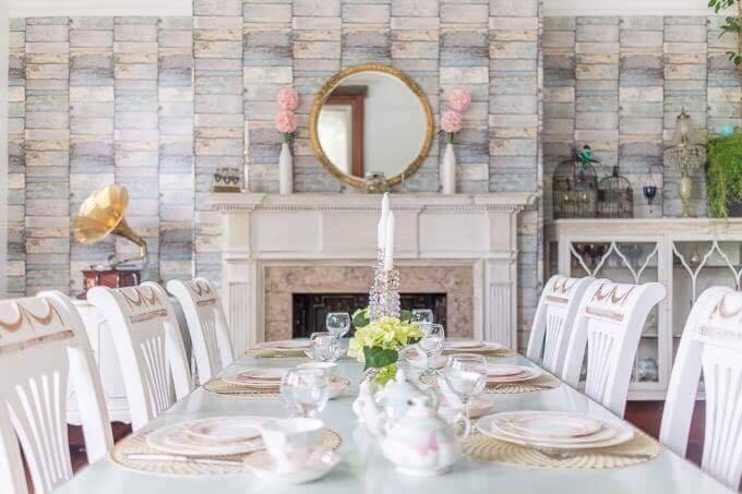 Restoran või mõni muu söögikoht majutusasutuses Woodside Villa