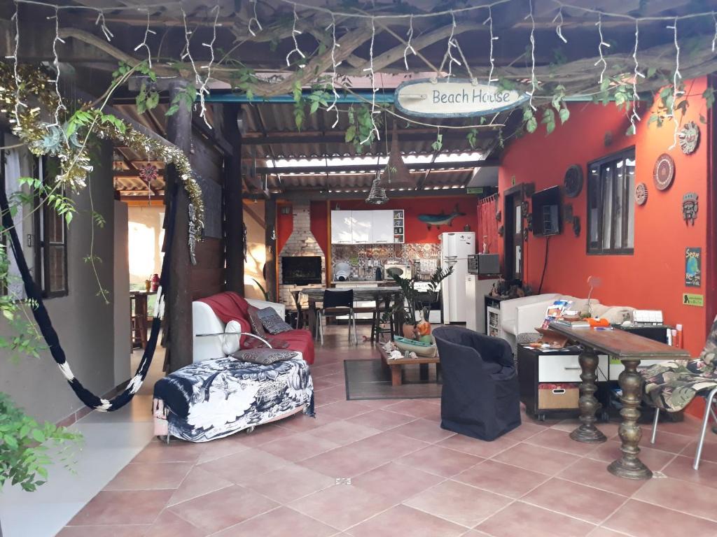 Un restaurante o sitio para comer en Floripa Beach House