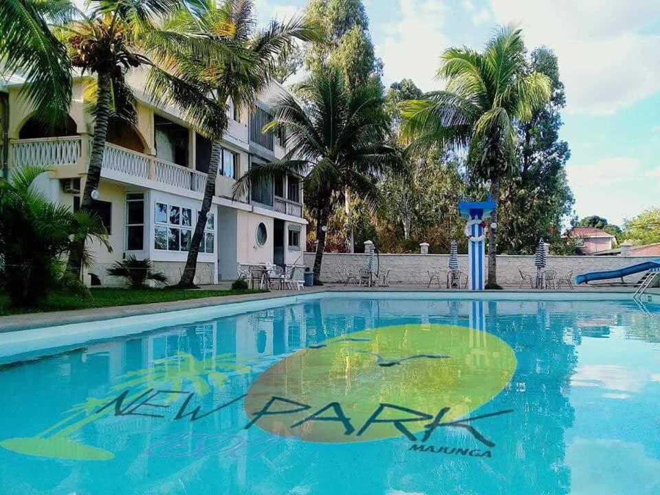 Piscine de l'établissement New Park Resort ou située à proximité