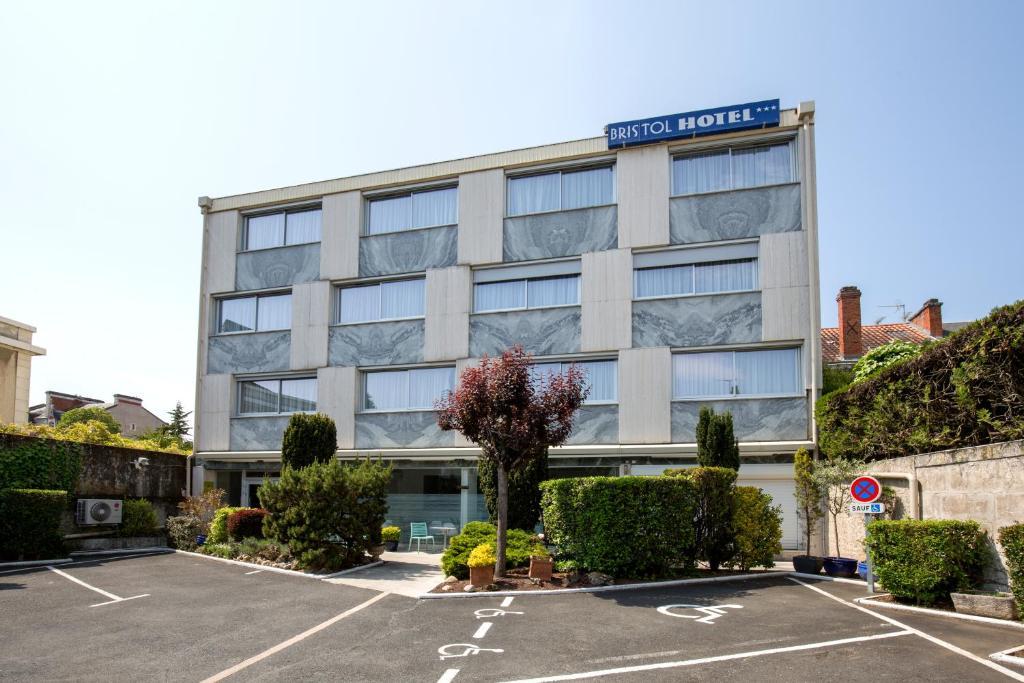 Bristol Hotel Perigueux France Booking Com