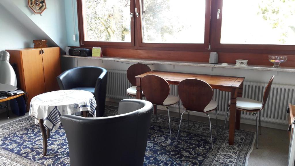 Lekkere Lounge Stoel.Apartment Im Baumhaus Roth Germany Booking Com