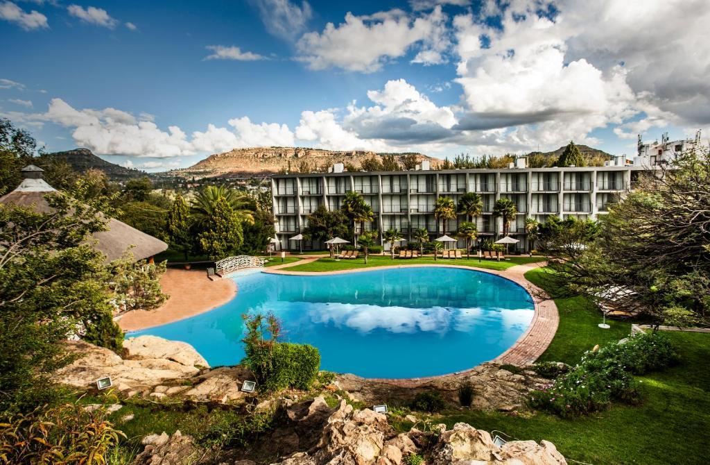 Basen w obiekcie Avani Maseru Hotel lub w pobliżu