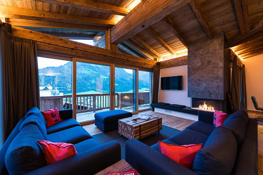 A seating area at Chalet Goldstreif