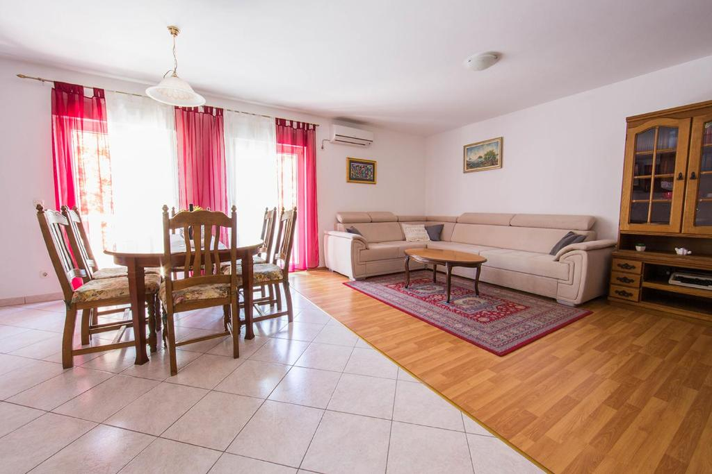 Apartment Mi Ma Split Croatia Booking Com