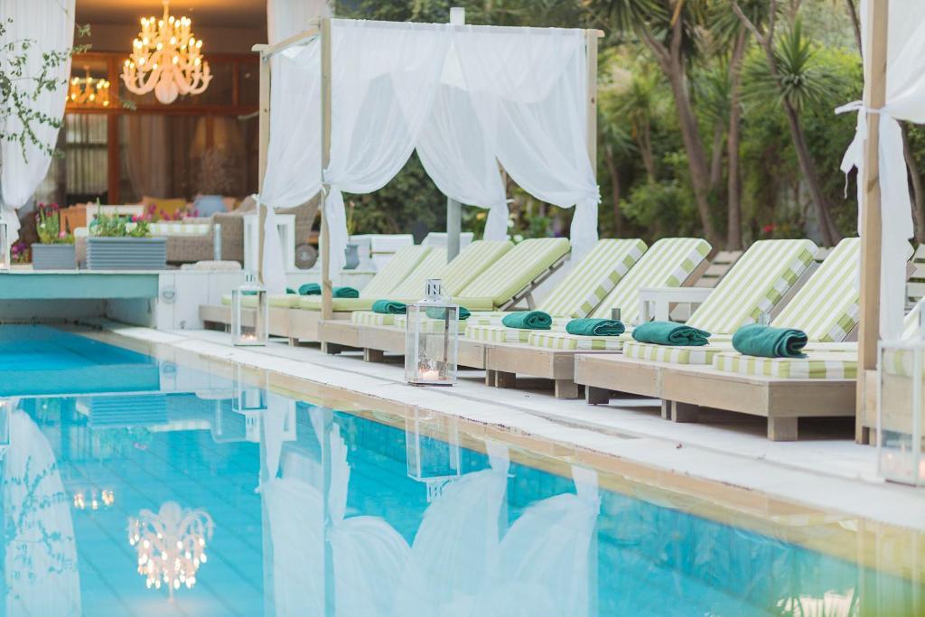 Der Swimmingpool an oder in der Nähe von La Piscine Art Hotel, Philian Hotels and Resorts