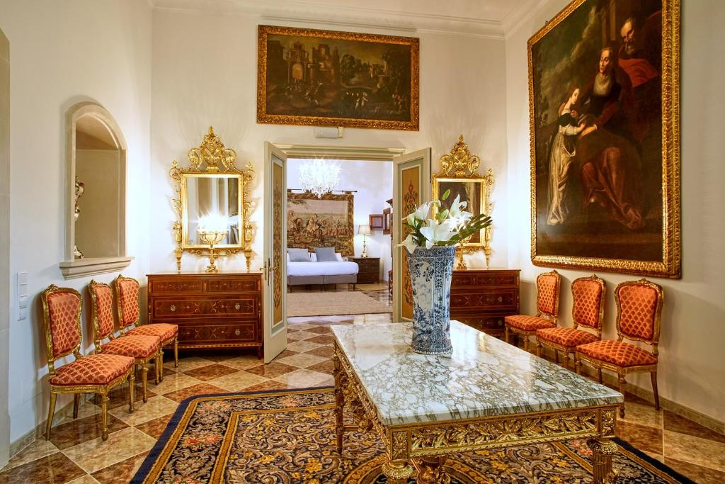 The lobby or reception area at Casa Delmonte - Turismo de Interior