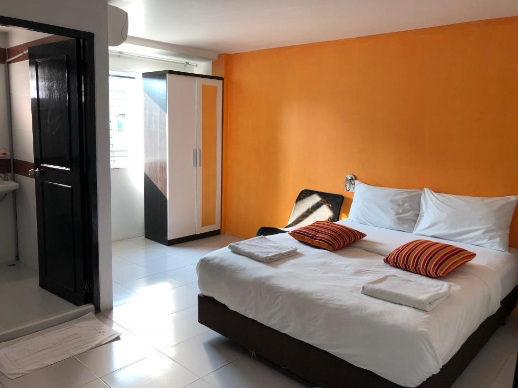 Кровать или кровати в номере The Chic Place