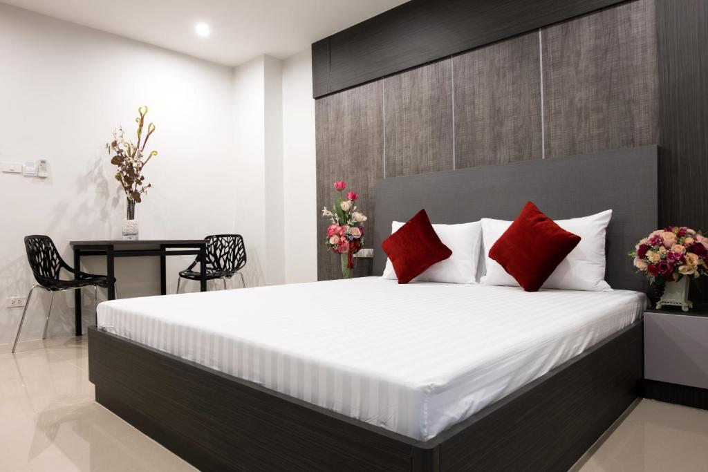 A bed or beds in a room at DB Plus 5
