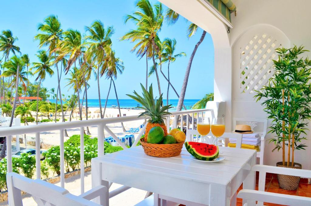 Beach Villas Apartments Larimar