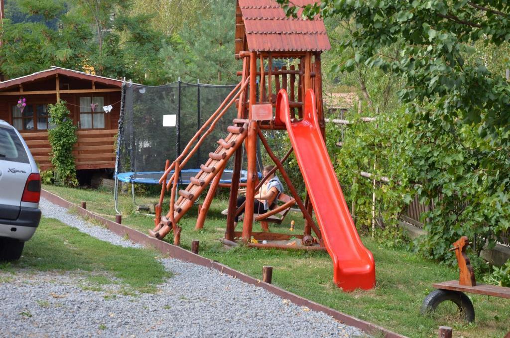 Детская игровая зона в Pensiunea Moldovan