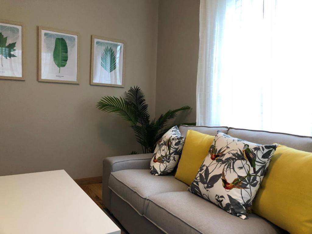 A seating area at La casa de Perfecta