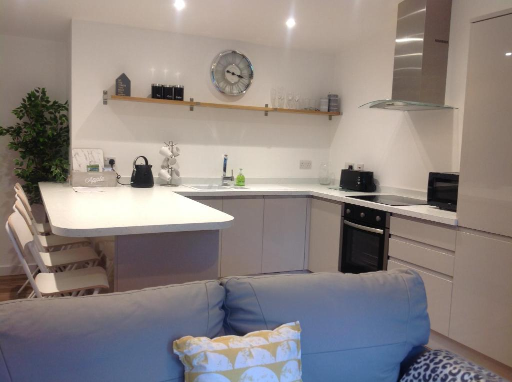 A kitchen or kitchenette at Springfield Apartments, Hawarden