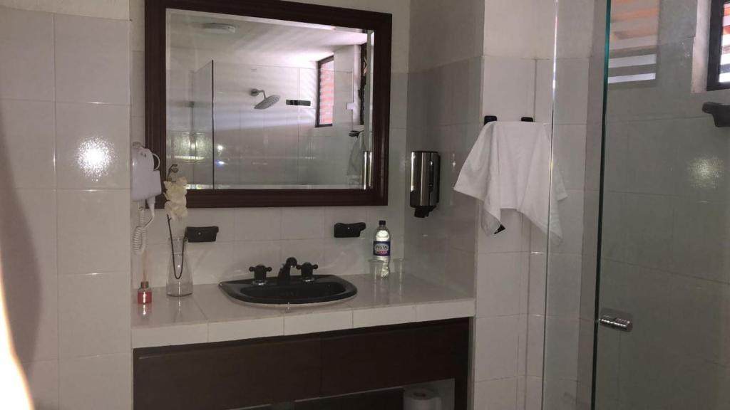 A bathroom at Chalet la Bonita