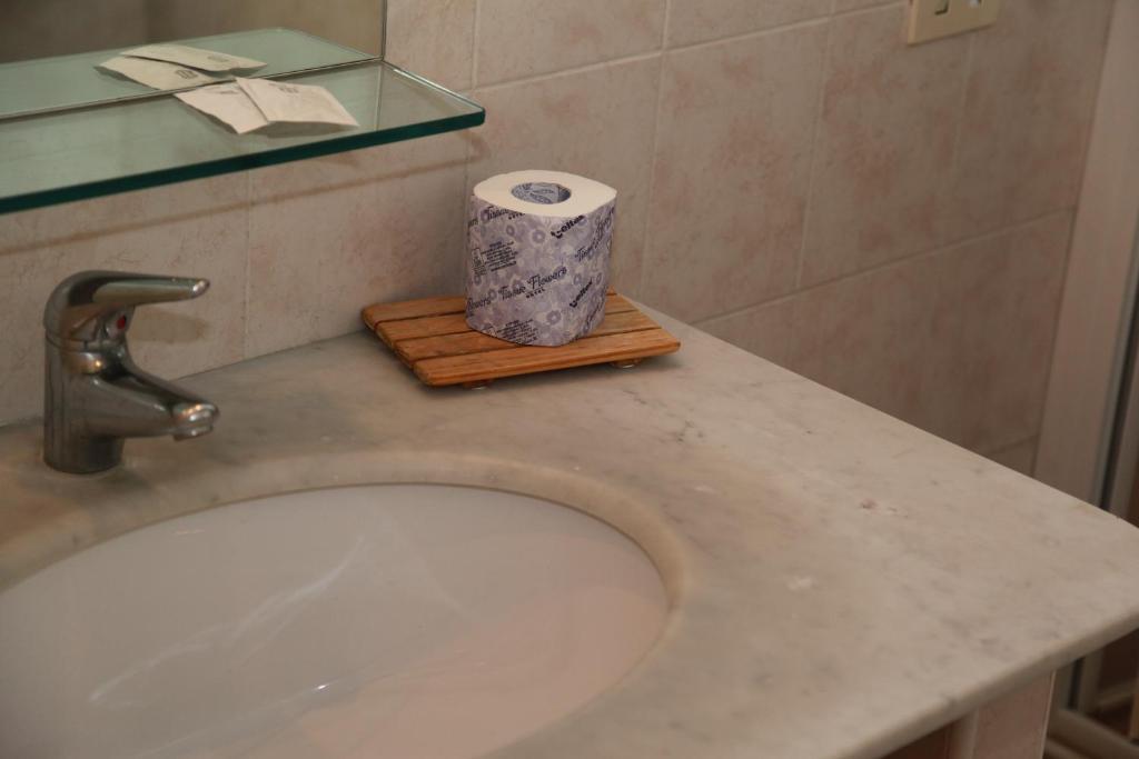 A bathroom at Residence La Vela - Residenza d'Epoca