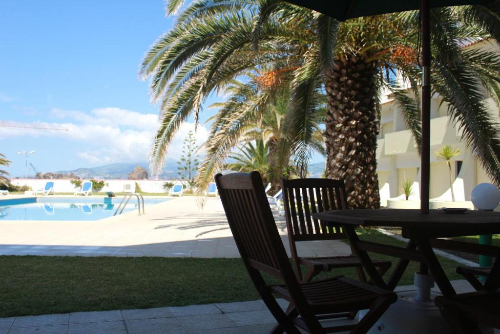 The swimming pool at or near Hotel Caravelas