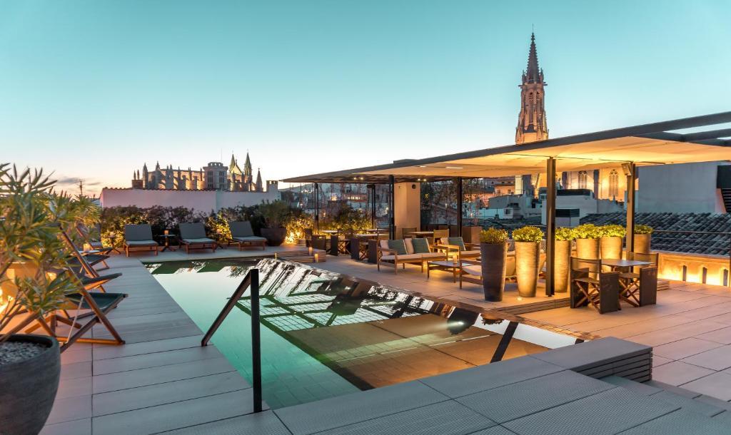 Swimmingpoolen hos eller tæt på Sant Francesc Hotel Singular