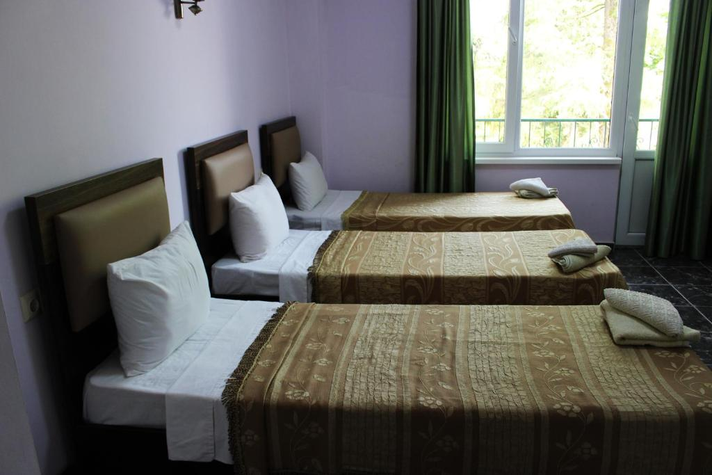 Golden Fleece Hotel