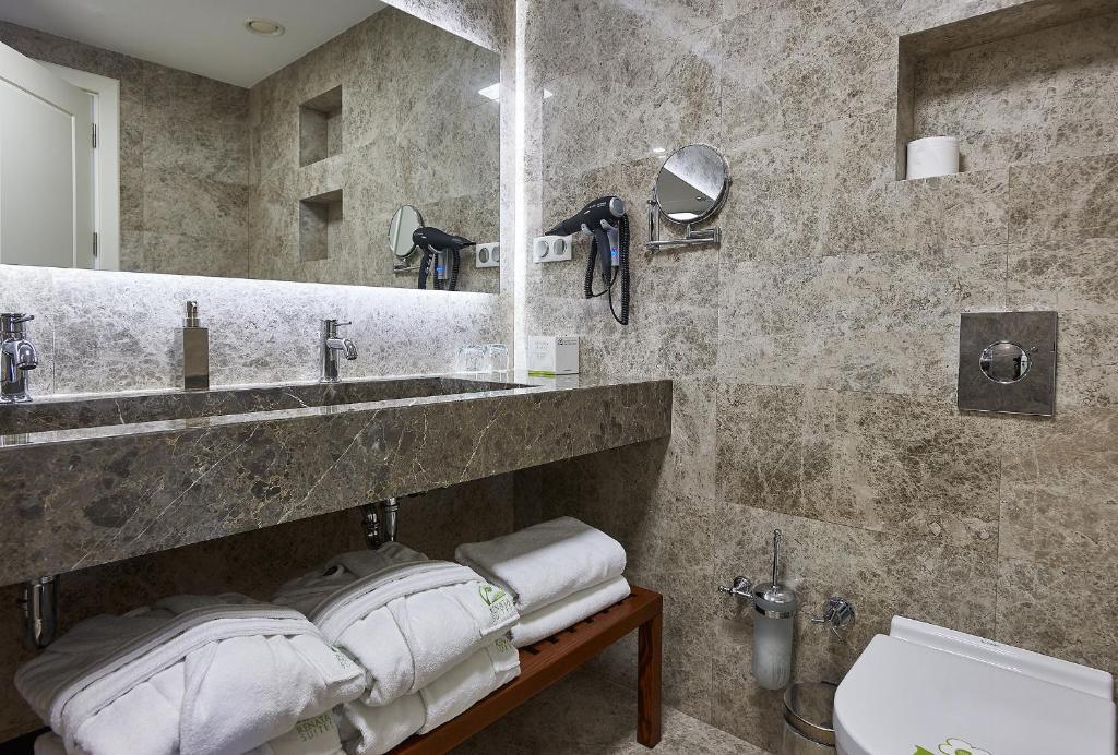 Ванная комната в Renata Boutique Hotel Sisli