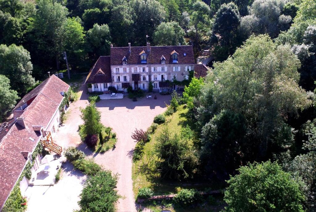 A bird's-eye view of Le Moulin du Bas Pesé