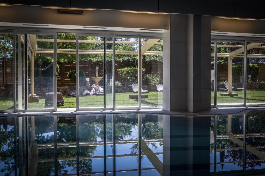 Hotel Spa Vatel Nimes France Booking Com