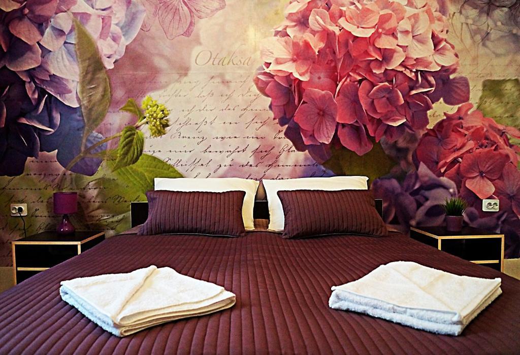 Кровать или кровати в номере Гостиница в Коломне