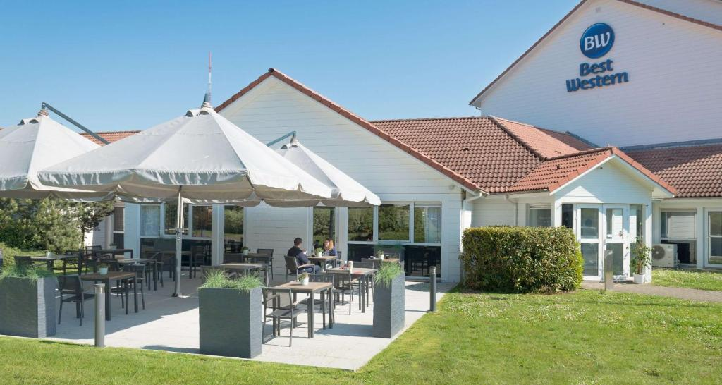 A restaurant or other place to eat at Best Western Hotel Wavre
