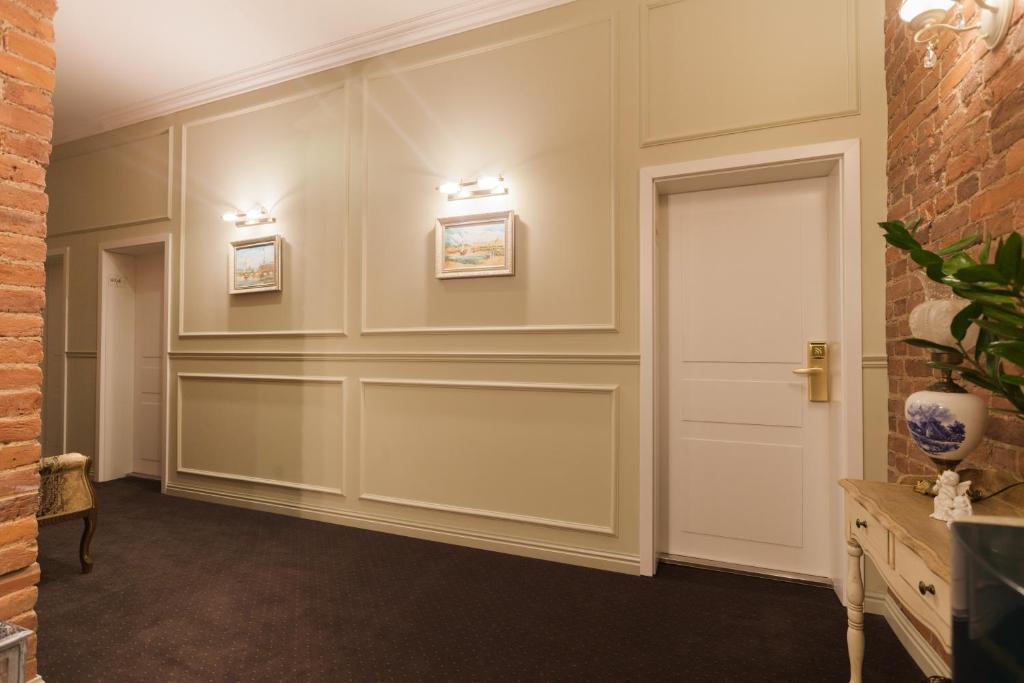 Лобби или стойка регистрации в Галунов Отель