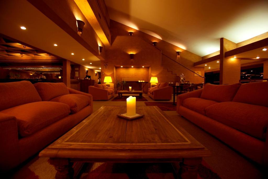 Zona de estar de Park Hotel Calama