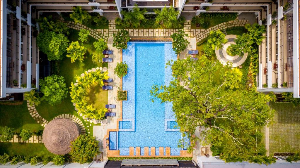 A view of the pool at Koulen Hotel or nearby