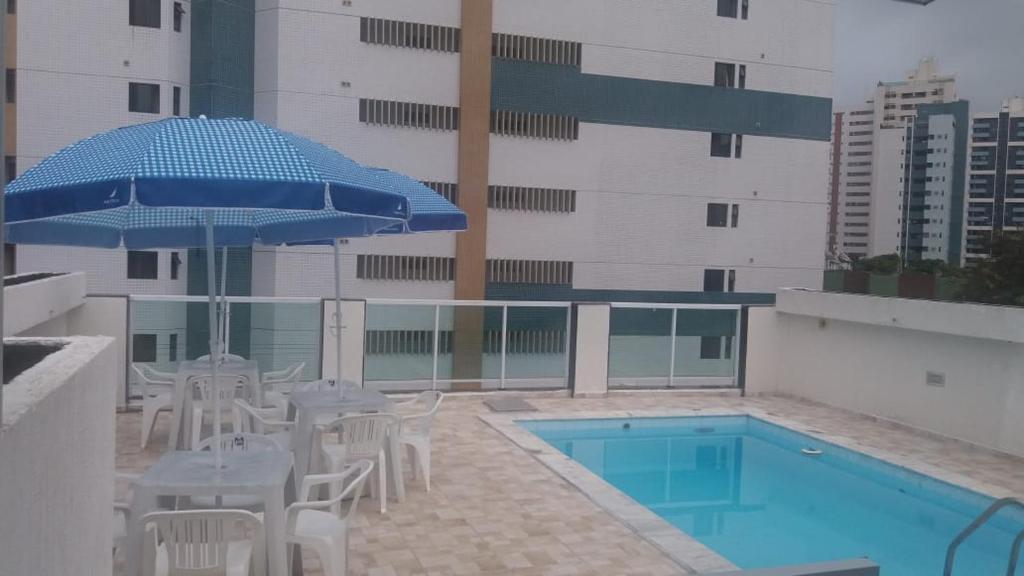 The swimming pool at or close to Pousada Beira Mar