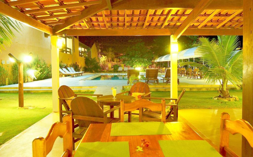 A piscina localizada em Pousada Guaratiba ou nos arredores