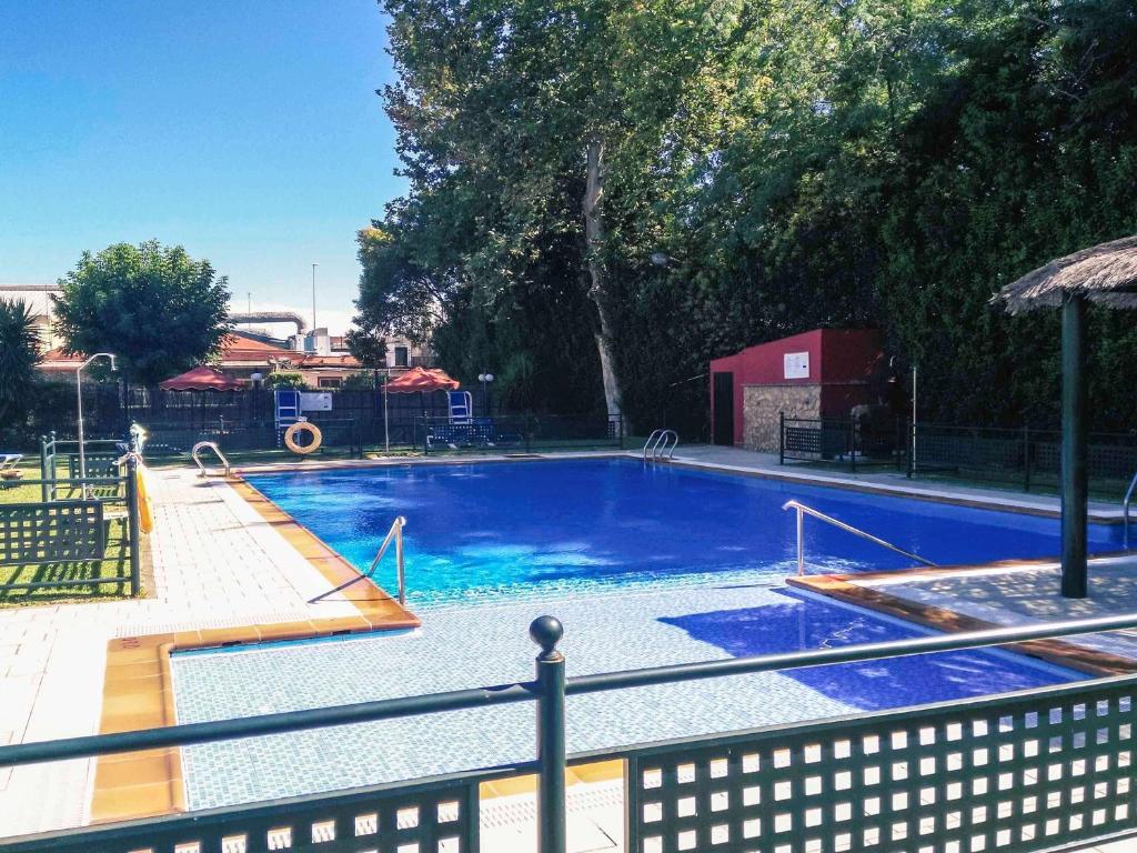 The swimming pool at or near Mercure Rio Badajoz