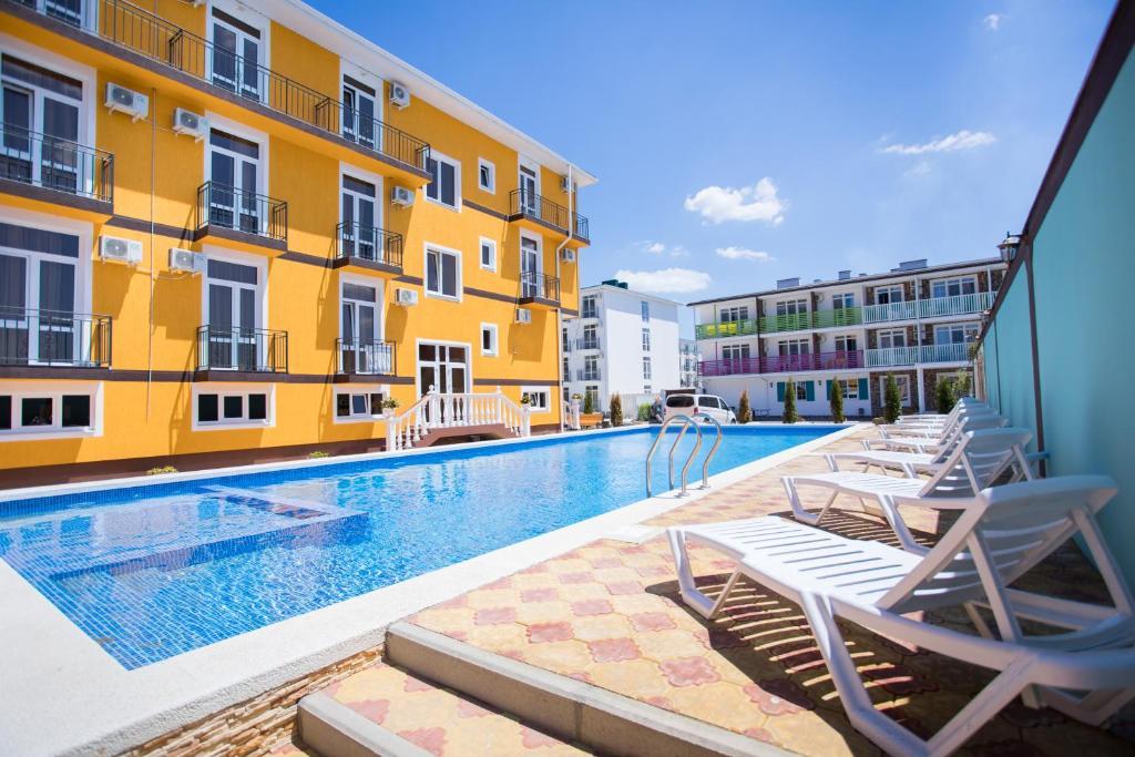 Der Swimmingpool an oder in der Nähe von Hotel Grand Agatia