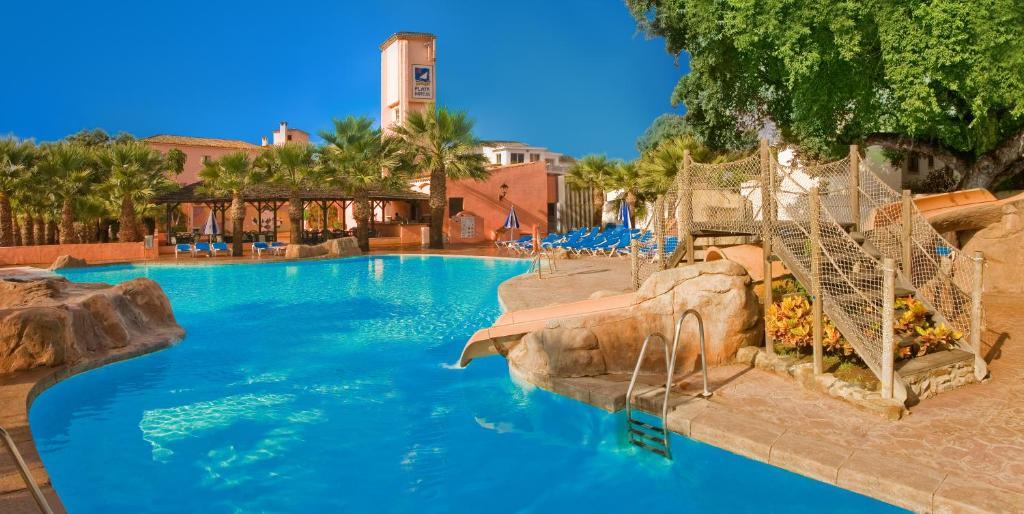 Het zwembad bij of vlak bij Diverhotel Dino Marbella