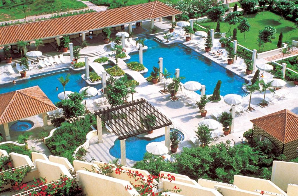 A view of the pool at Grand Coloane Resort or nearby