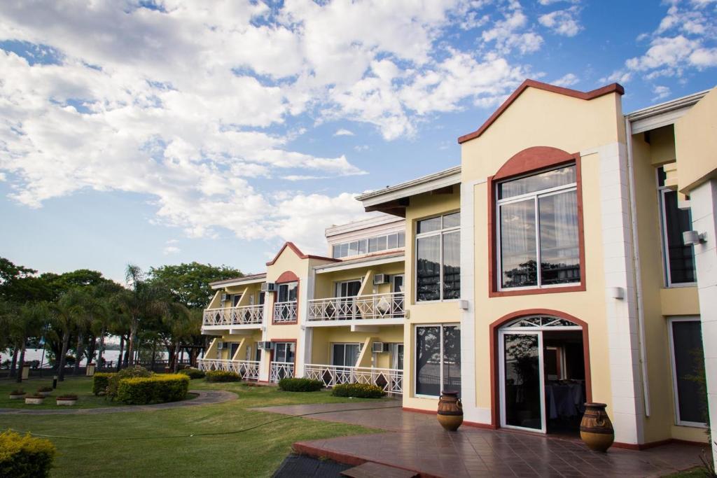 Hotel Costa Del Sol (Argentina Federación) - Booking.com