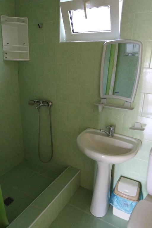 A bathroom at Guest house Astkho