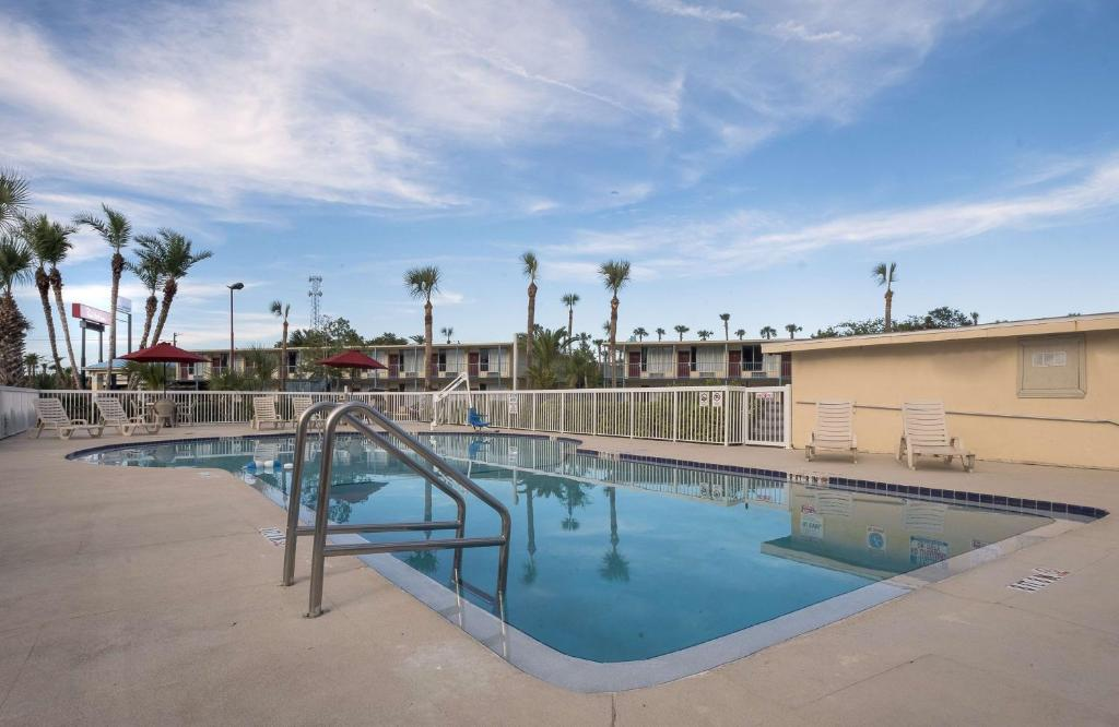 The swimming pool at or near Extended Stay - Ormond Beach