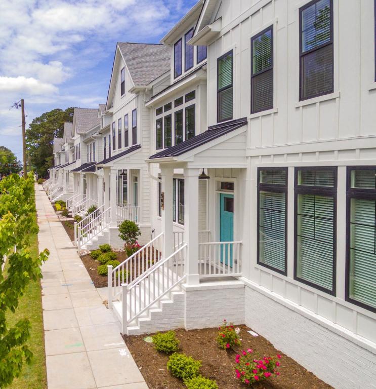 Apartment 529 The Bayville House, Virginia Beach, VA