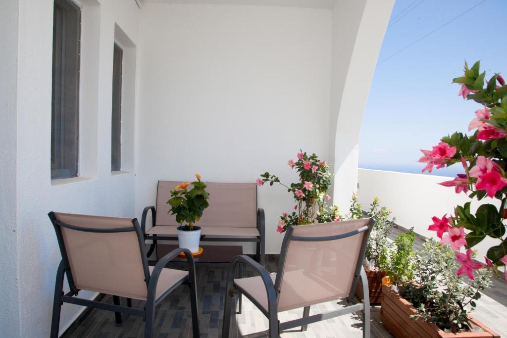 150841599 - Onde se hospedar em Santorini: Onde ficar e dicas de hotéis - santorini, ilhas-gregas, grecia