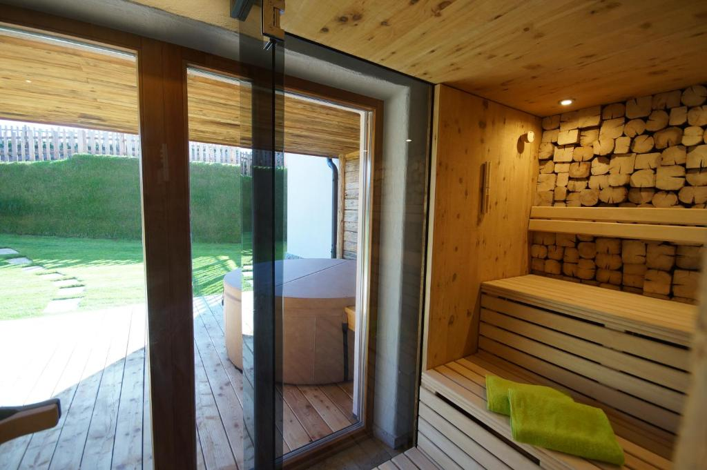 Chalets Petry Spa & Relax, Bettel, Luxembourg - Booking.com